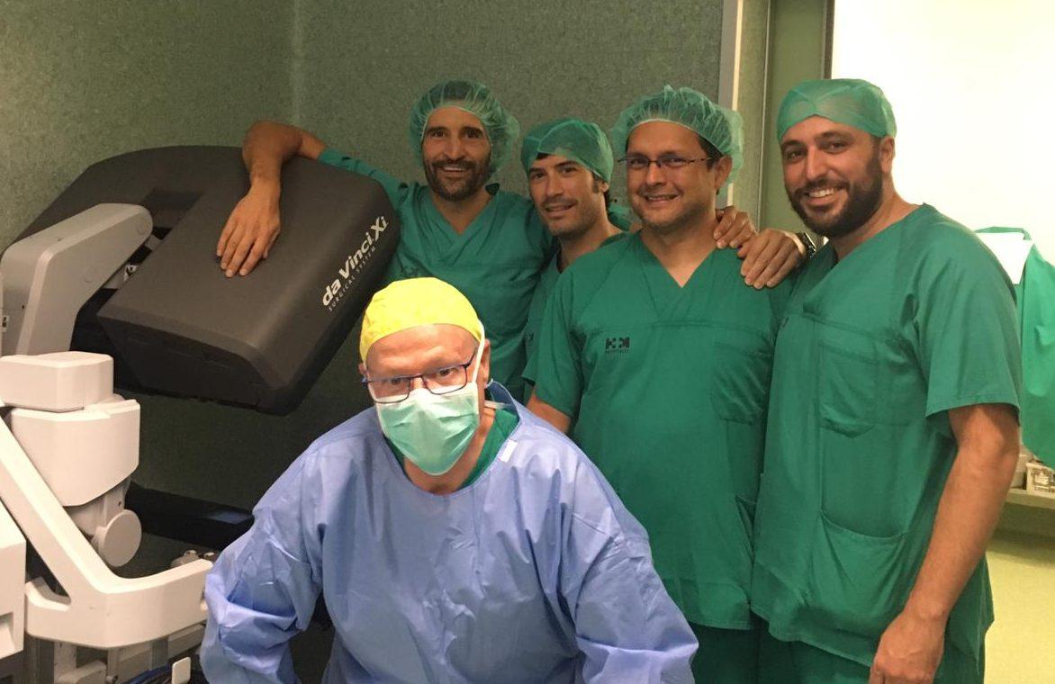 Equipo cirugía robótica romero